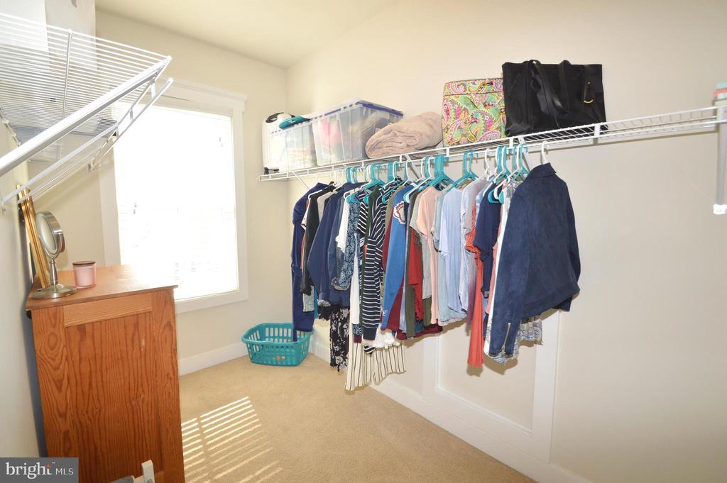 Bedroom 2 Closet - 41121 ROCKY BOULDER CT, ALDIE