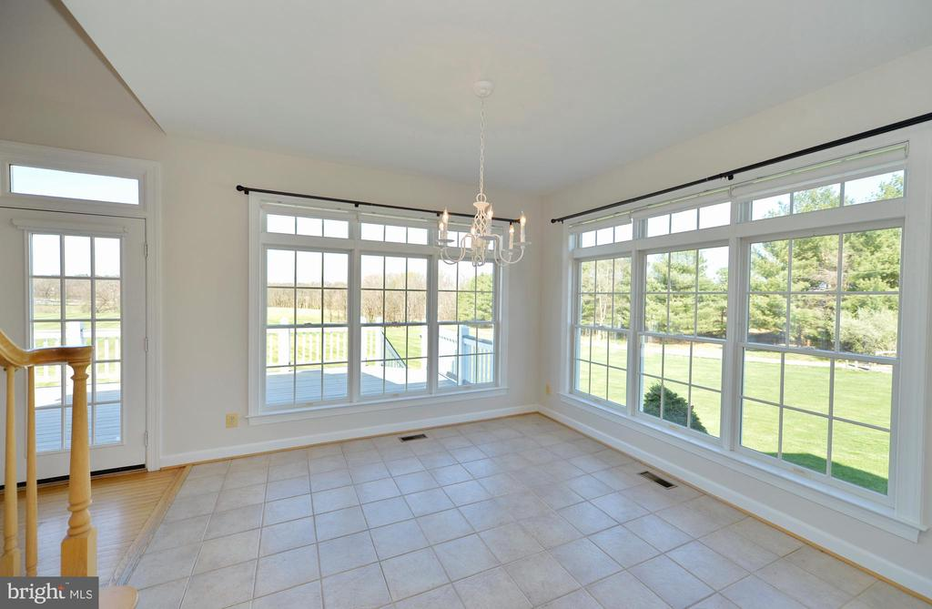 Breakfast room with beautiful views - 19771 GREGGSVILLE RD, PURCELLVILLE