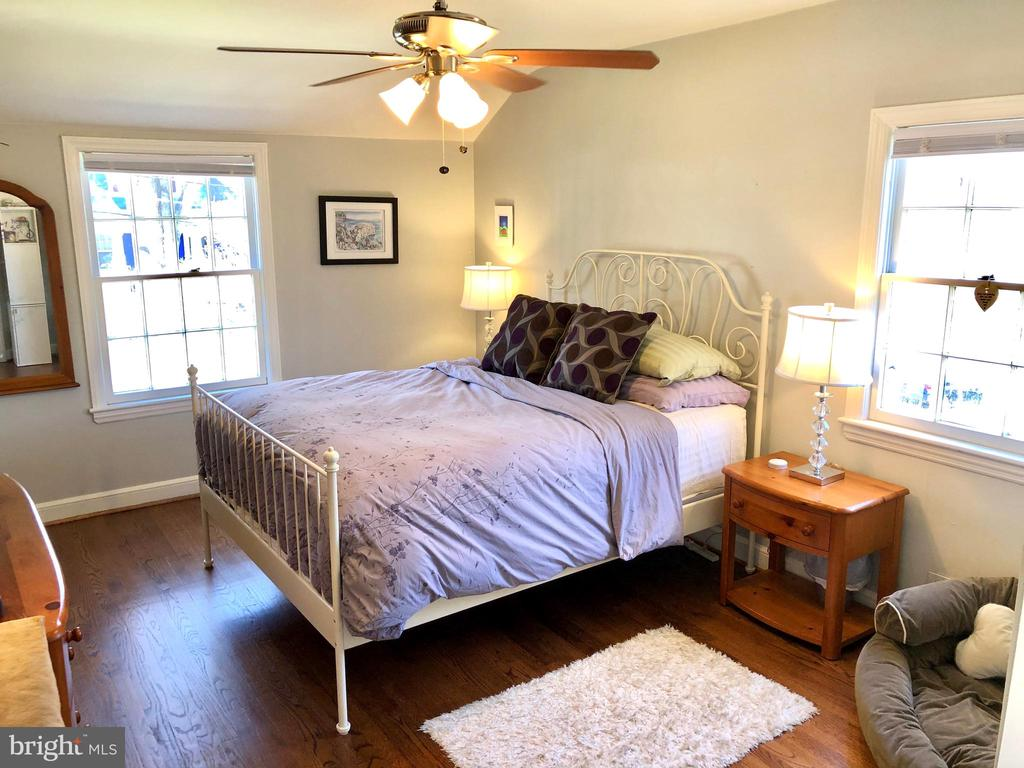 Owner's bedroom - 7411 RIDGEWOOD AVE, CHEVY CHASE
