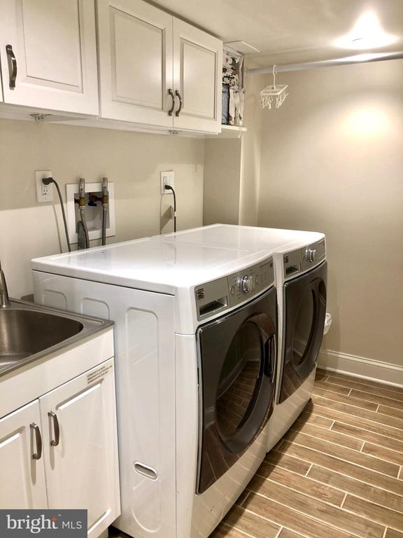 Laundry room in lower level - 7411 RIDGEWOOD AVE, CHEVY CHASE