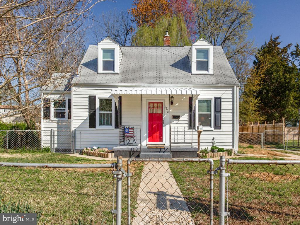 Welcome home! this is the cutest ever! - 6808 PICKETT DR, MORNINGSIDE