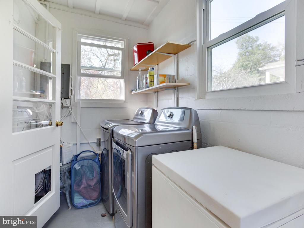 AWESOME washer and dryer - 6808 PICKETT DR, MORNINGSIDE