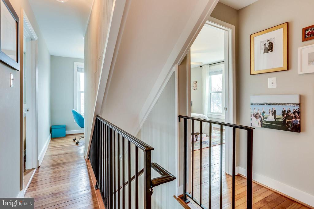 Stairs to attic for potential extra space - 900 N FREDERICK ST, ARLINGTON