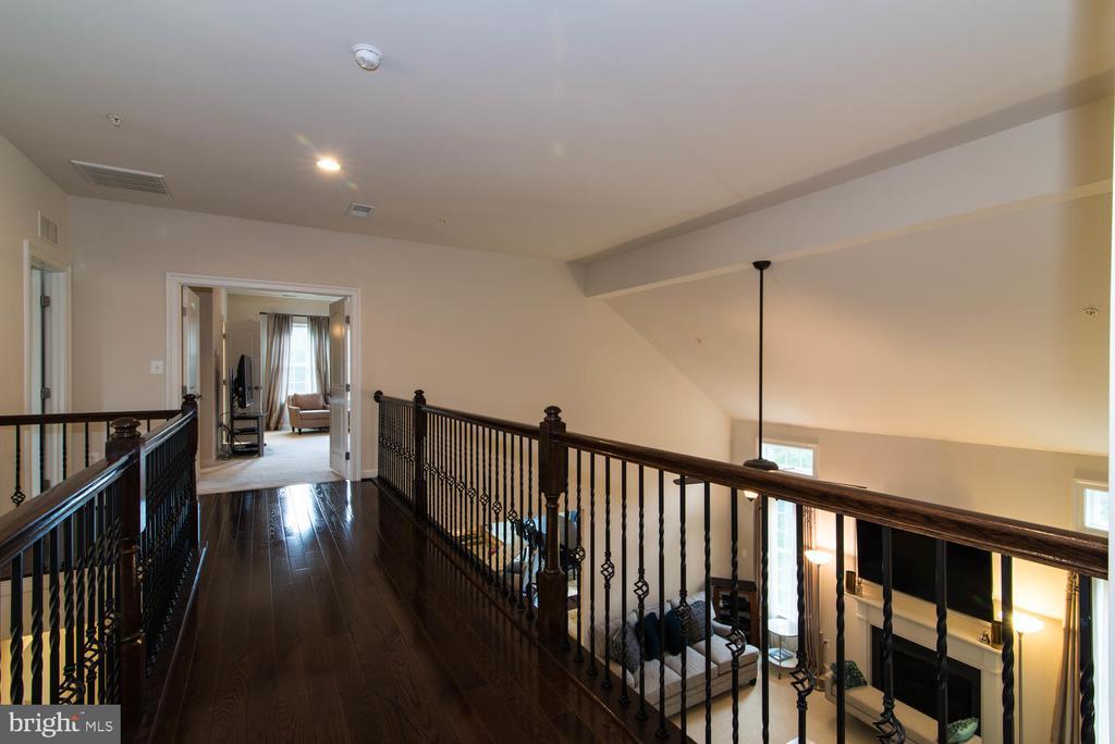 Upper Level Hall - 14416 CHELSEA GARDEN CT, LAUREL