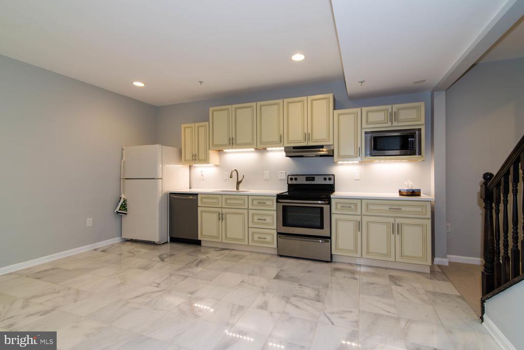 Kitchen - 14416 CHELSEA GARDEN CT, LAUREL