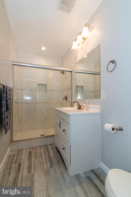 Full Bath - 14416 CHELSEA GARDEN CT, LAUREL
