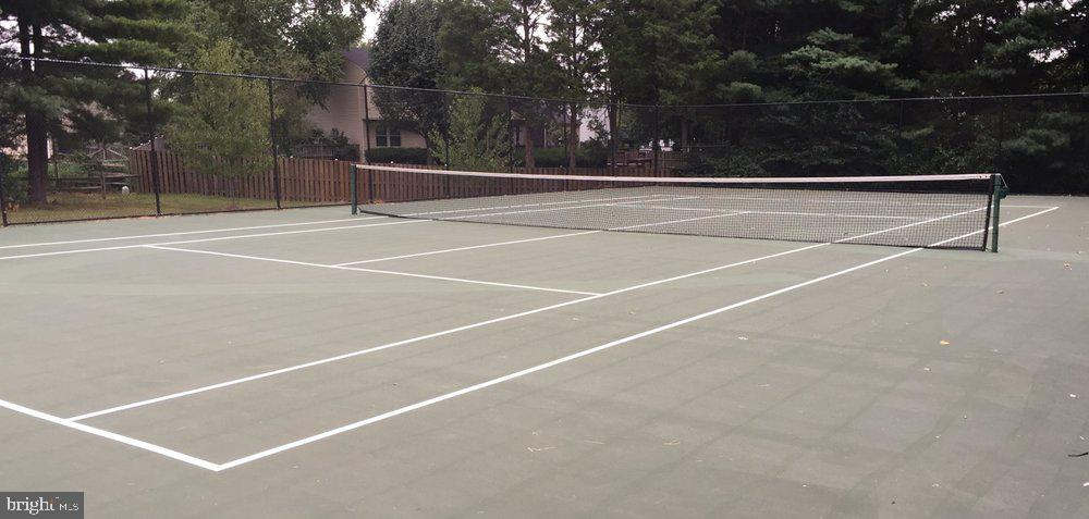 Community tennis courts - 12803 SCRANTON CT, HERNDON