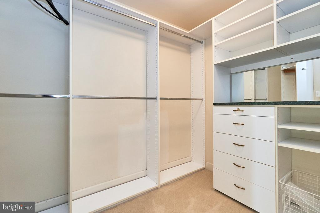 Master Bedroom Closet - 18441 LANIER ISLAND SQ, LEESBURG