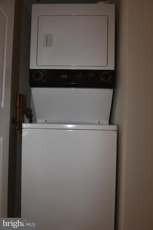 Washer/Dryer in unit - 2151 JAMIESON AVE #1903, ALEXANDRIA