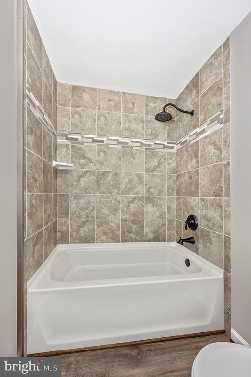 Master Bath - 524 GATEWAY DR W, THURMONT