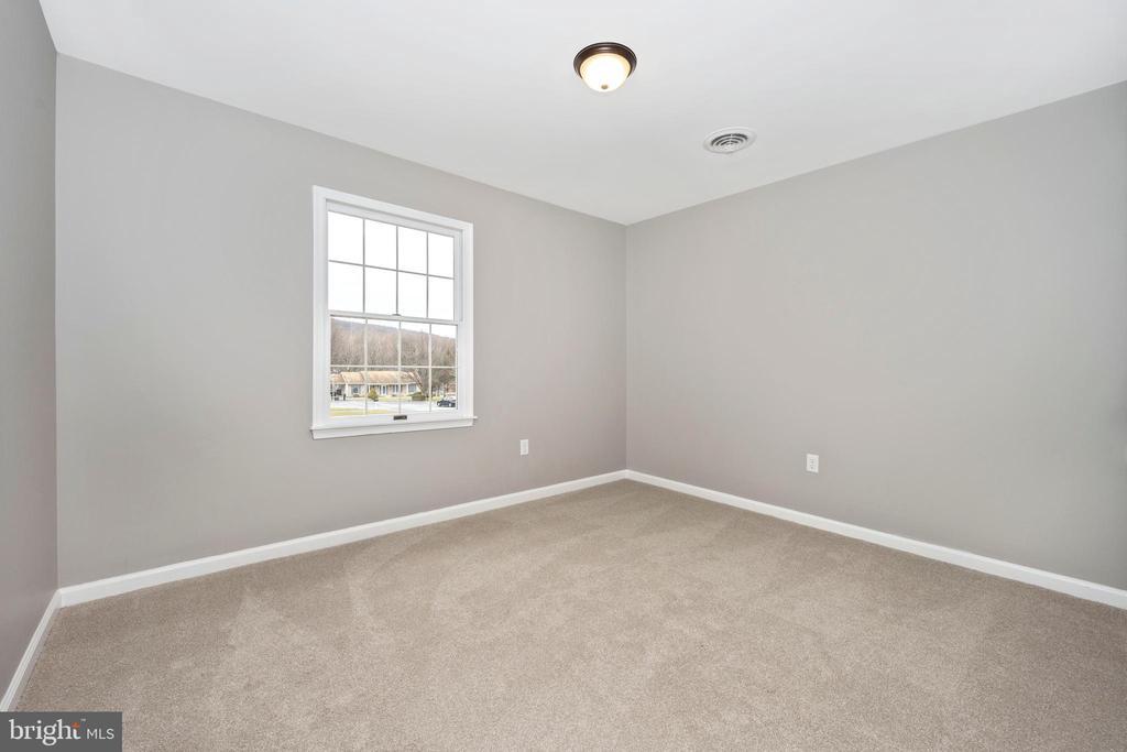 Bedroom 2 - 524 GATEWAY DR W, THURMONT
