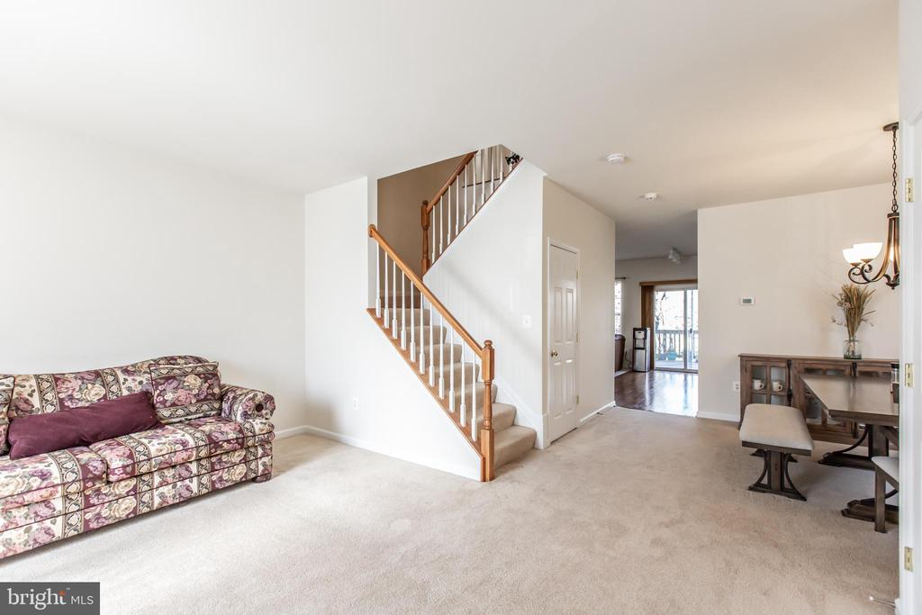 Living/Dining Combo! - 9648 SAYBROOKE DR, BRISTOW