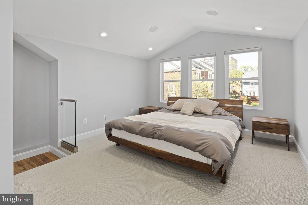 Third floor master suite addition - 1130 N UTAH ST, ARLINGTON