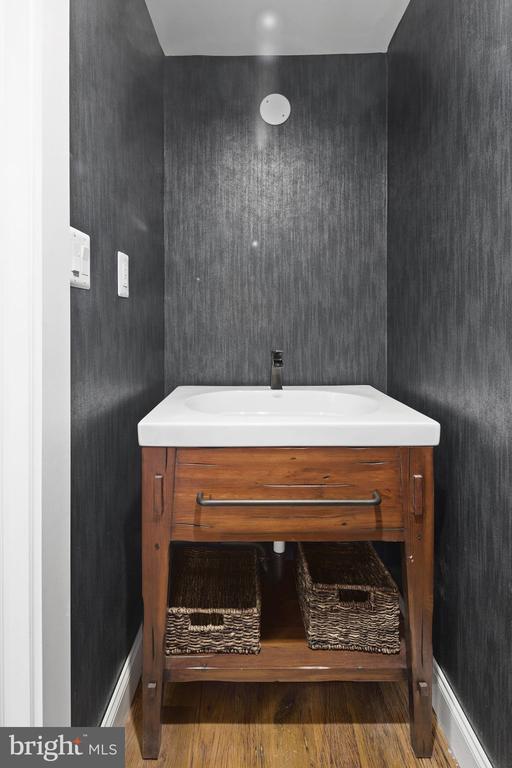 Updated 1/2 bath on main level - 1130 N UTAH ST, ARLINGTON