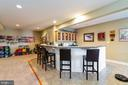 Check this out! Full  kitchen/bar area! - 32 PALISADES DR, STAFFORD
