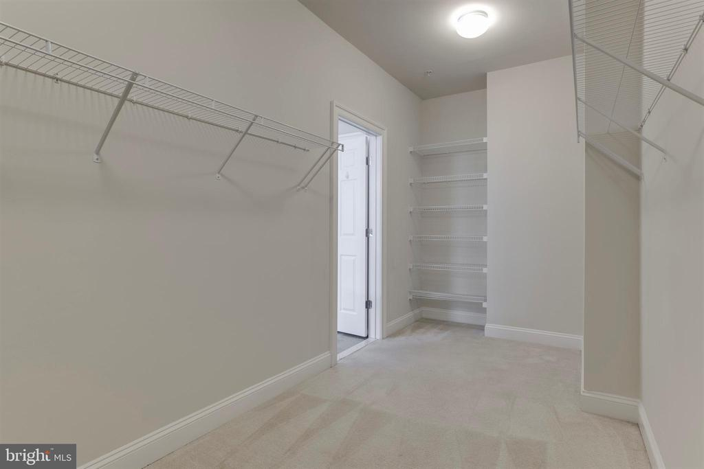 Owners Suite Walk-In Closet - 26 DENISON ST, FREDERICKSBURG