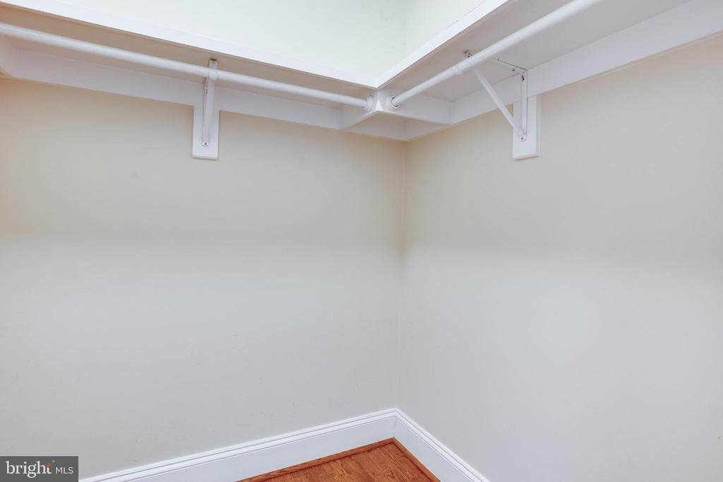 Master en-suite walk-in closet - 1830 JEFFERSON PL NW #8, WASHINGTON