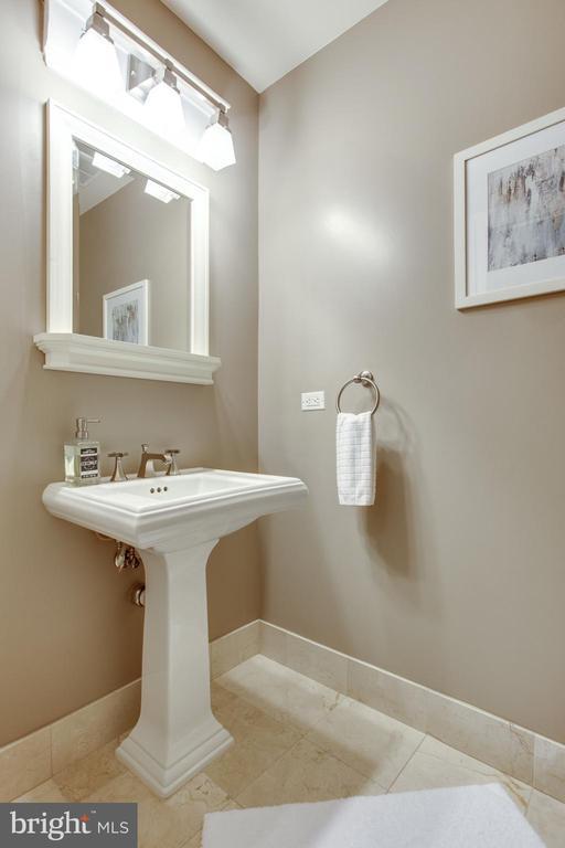 Guest half bath off dining area - 1830 JEFFERSON PL NW #8, WASHINGTON