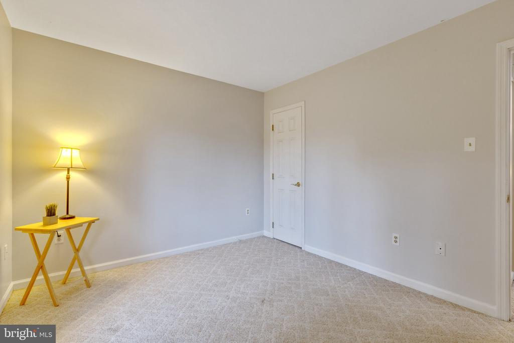 Neutral paint - 7163 MASTERS RD, NEW MARKET