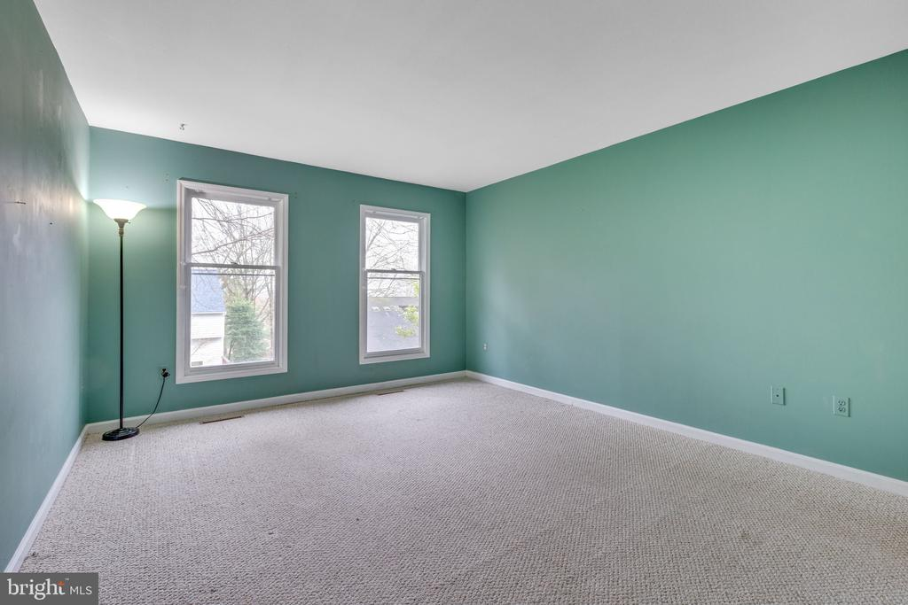 First floor owner's suite - 7163 MASTERS RD, NEW MARKET