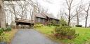 A cool contemporary that has it all! - 7163 MASTERS RD, NEW MARKET