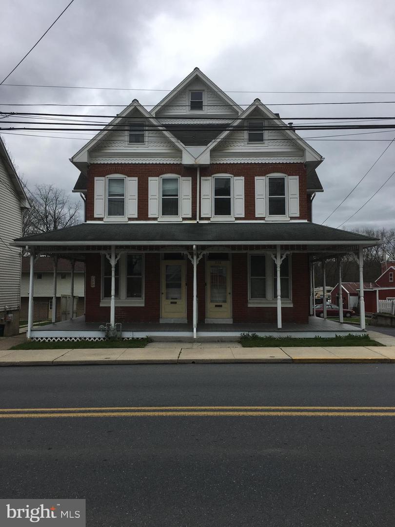 πολλαπλών Οικογένεια για την Πώληση στο 326 AND 328 MAIN Street Shoemakersville, Πενσιλβανια 19555 Ηνωμένες Πολιτείες