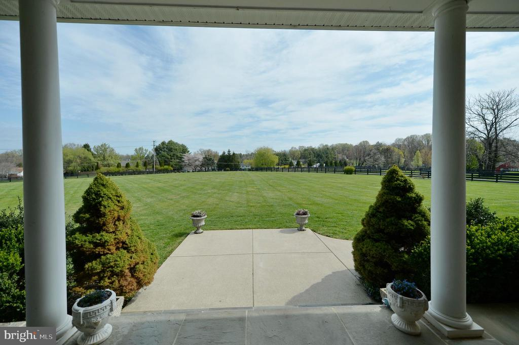 Front porch view of front yard - 40319 CHARLES TOWN PIKE, HAMILTON