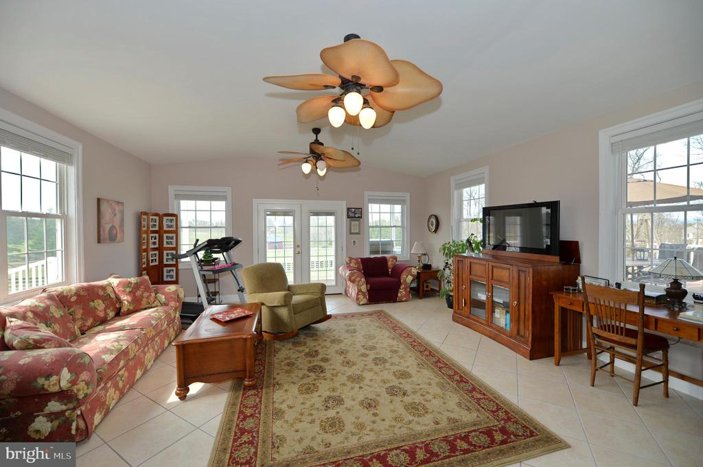 Sun room with french doors to covered deck - 40319 CHARLES TOWN PIKE, HAMILTON