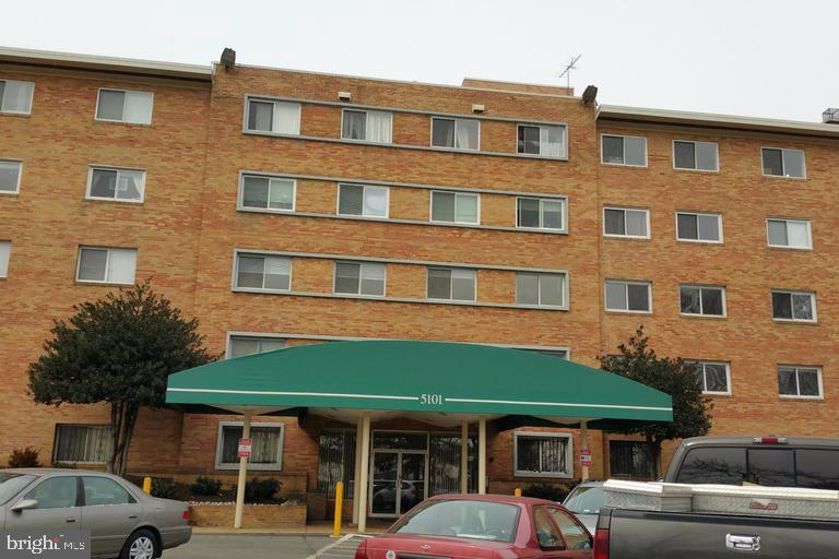 Exterior (Front) - 5101 8TH RD S #403, ARLINGTON