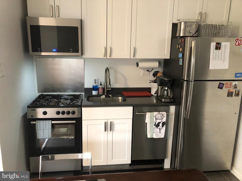 Property للـ Rent في 540 W SEDGWICK ST #A6 Philadelphia, Pennsylvania 19119 United States