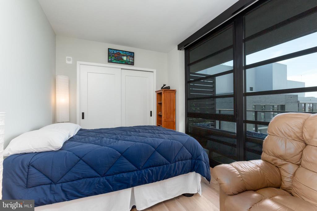 Guest Bedroom. - 1300 4TH ST SE #808, WASHINGTON