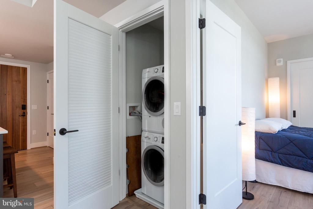 Bosch 24inch Stackable washer and ventless dryer. - 1300 4TH ST SE #808, WASHINGTON