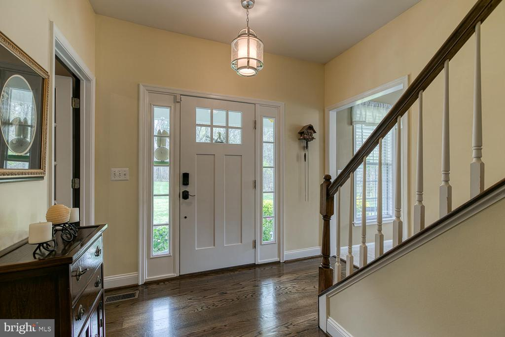 New front door and welcoming foyer! - 149 SUMMER BREEZE LN, FREDERICKSBURG