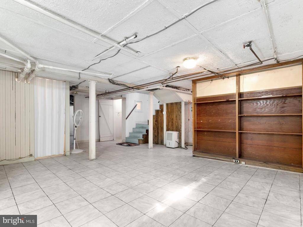 Basement Club Area - 4207 STANFORD ST, CHEVY CHASE
