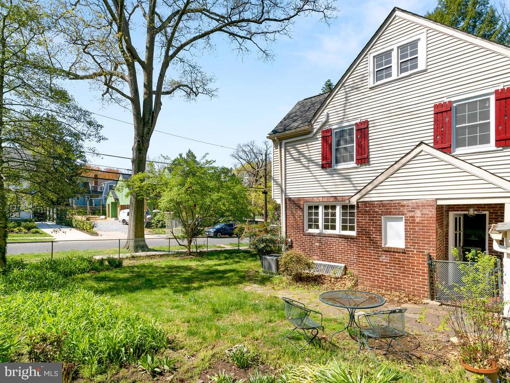 Exterior Side Yard - 4207 STANFORD ST, CHEVY CHASE