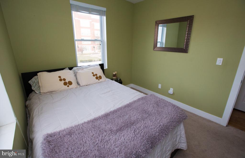 Bedroom with Queen Size Bed - 2 17TH ST SE #202, WASHINGTON