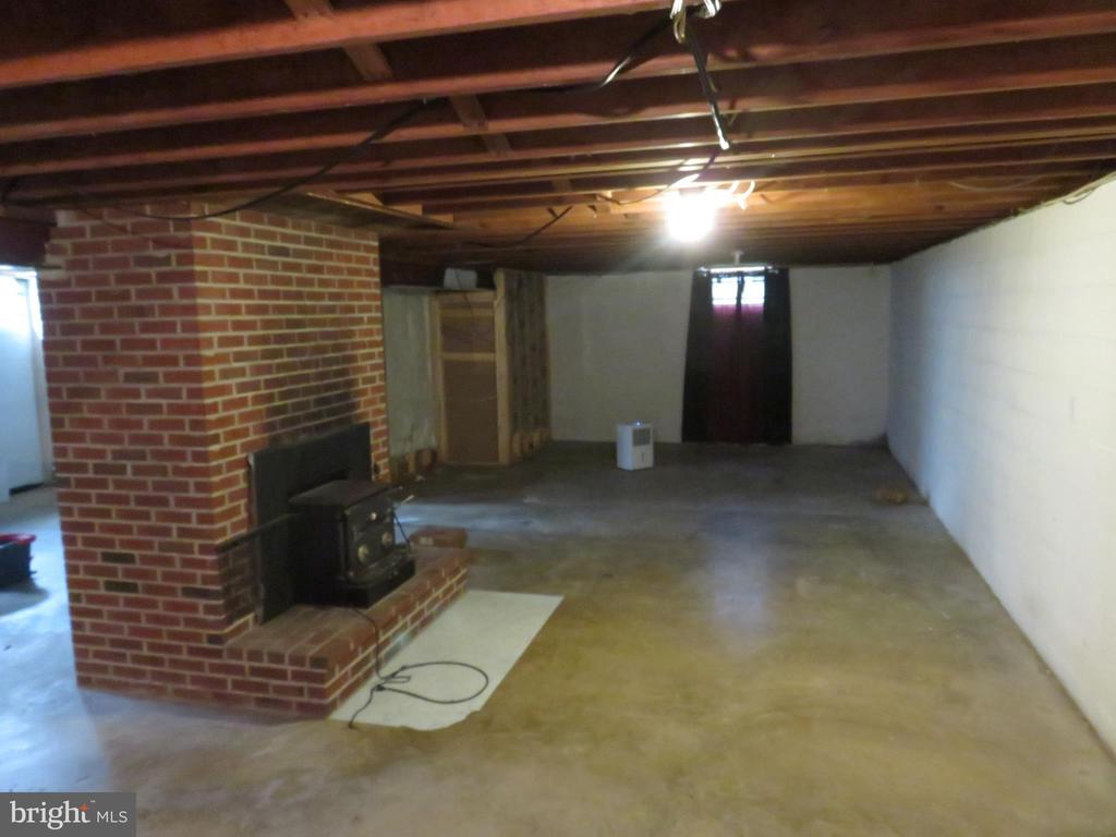 Two Fireplaces - 112 COLEBROOK RD, FREDERICKSBURG