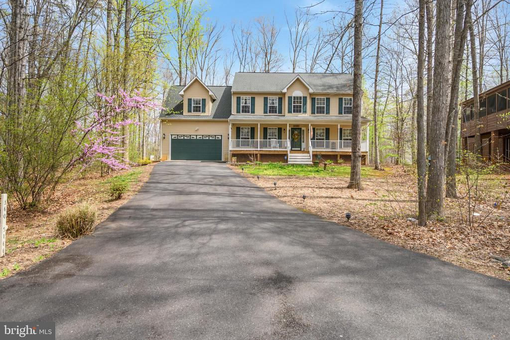- 404 WILDERNESS DR, LOCUST GROVE