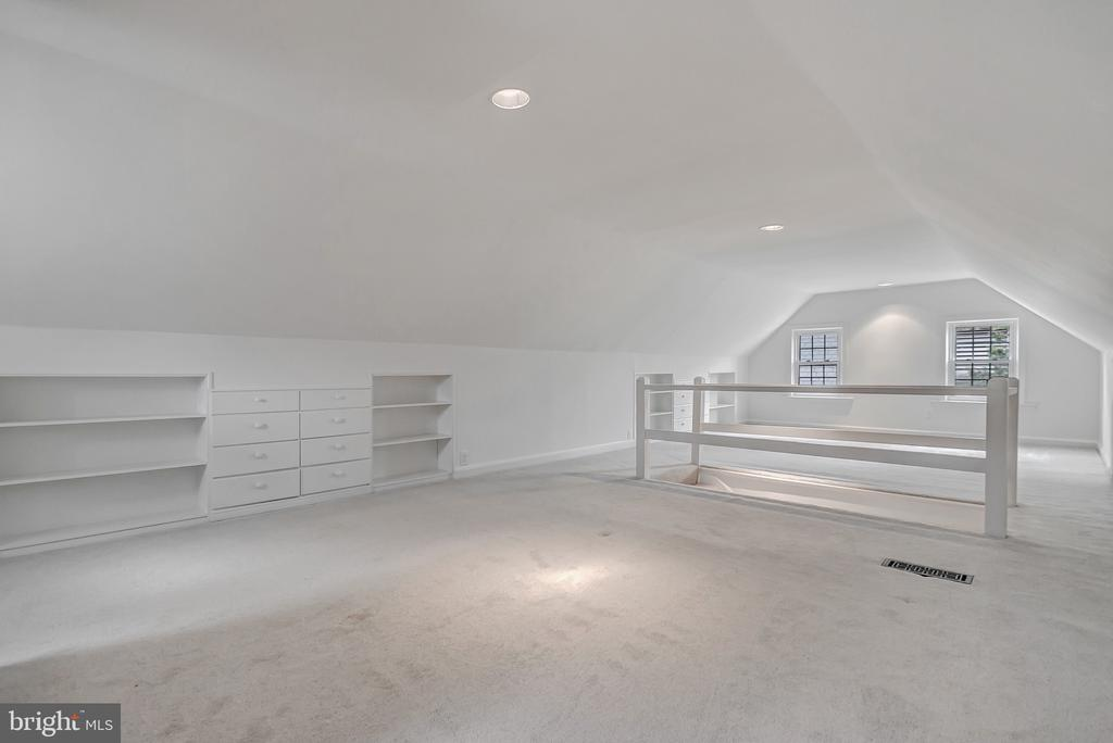Large finished attic space with built-ins - 7007 CONNECTICUT AVE, CHEVY CHASE