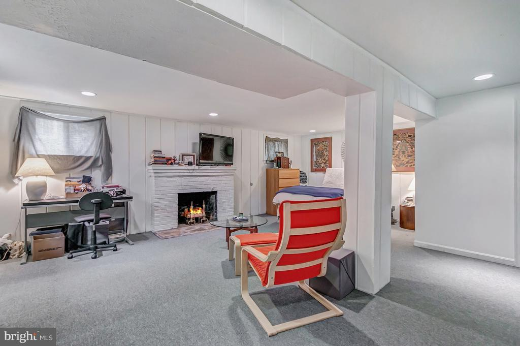 Lower level family room - 7007 CONNECTICUT AVE, CHEVY CHASE