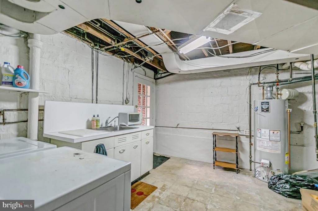 Mechanical room w/kitchenette & w/d - 7007 CONNECTICUT AVE, CHEVY CHASE