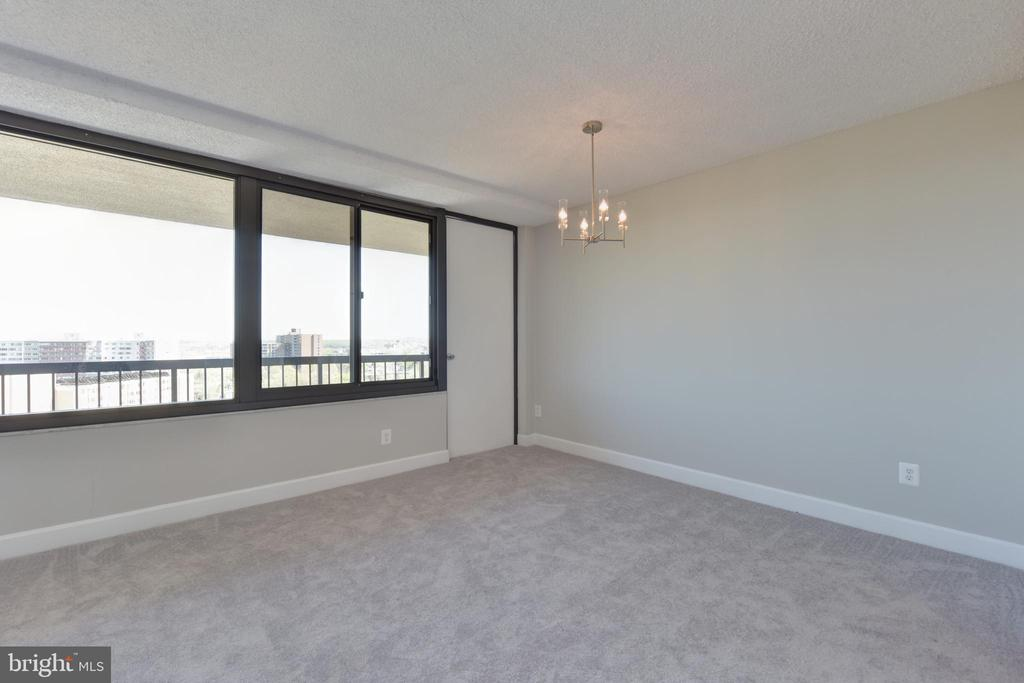 Some owners add a screen door for more air flow - 5500 HOLMES RUN PKWY #1210, ALEXANDRIA