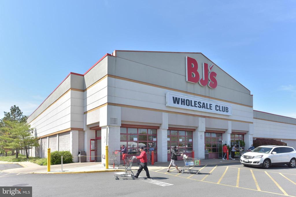 Stock up at this BJ's on S. Van Dorn St - 5500 HOLMES RUN PKWY #1210, ALEXANDRIA