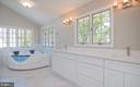 Luxury masterbath - 3305 22ND ST N, ARLINGTON
