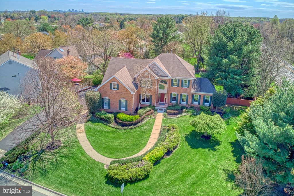 - 10793 HUNT CLUB DR, RESTON