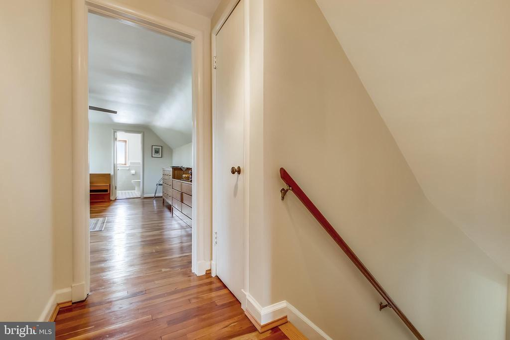 Stair to Upper Level - 4833 BROAD BROOK DR, BETHESDA