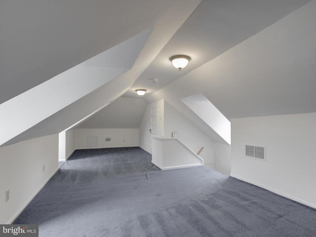 Finished attic - 6320 BALTIMORE AVENUE, UNIVERSITY PARK