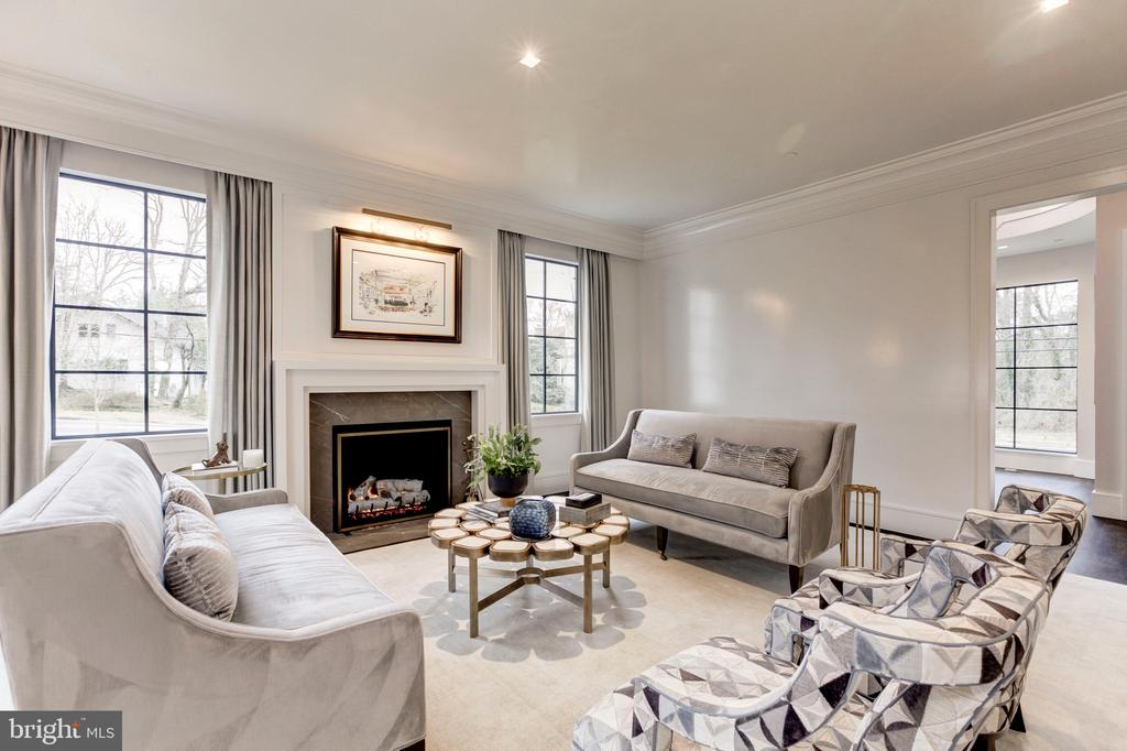 Living Room - 5427 GOLDSBORO RD, BETHESDA