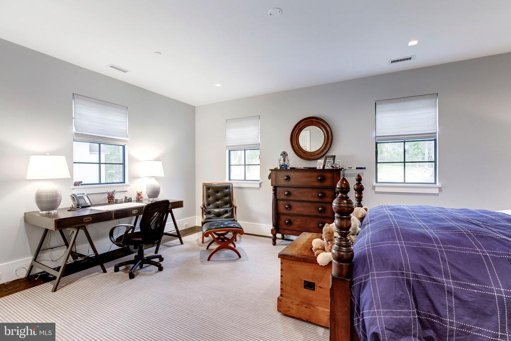 Fourth Bedroom - 5427 GOLDSBORO RD, BETHESDA