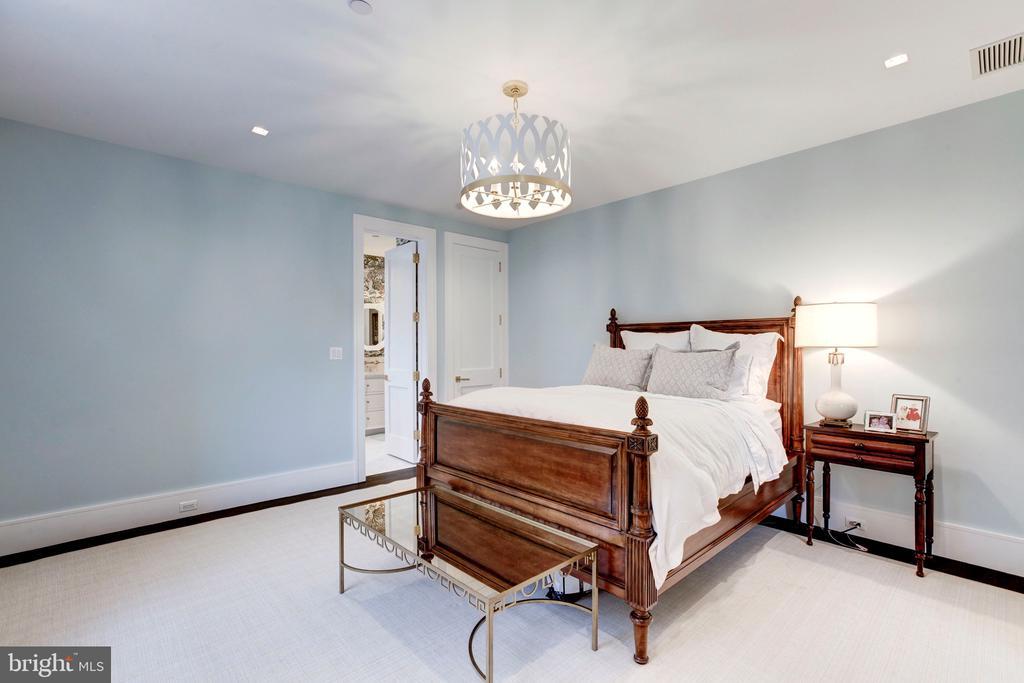 Third Bedroom - 5427 GOLDSBORO RD, BETHESDA